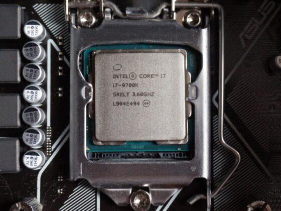 Quelle carte mère pour i7 9700K