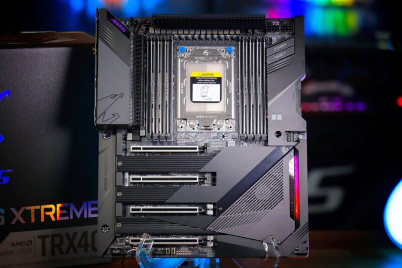meilleure carte mère pour processeur AMD Threadripper 3990X 3970X 3960X